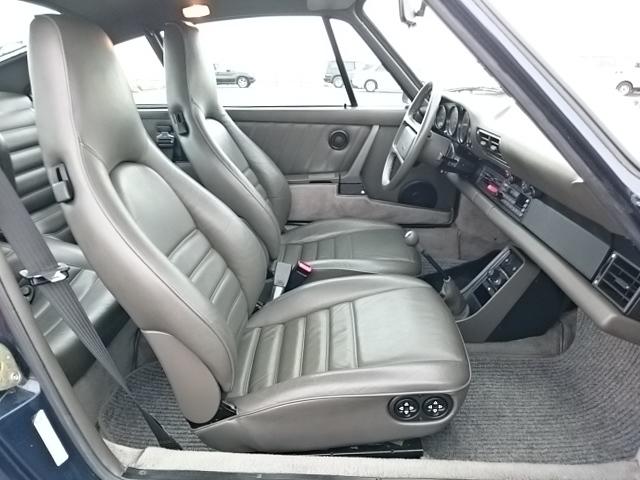 911-1987 interior