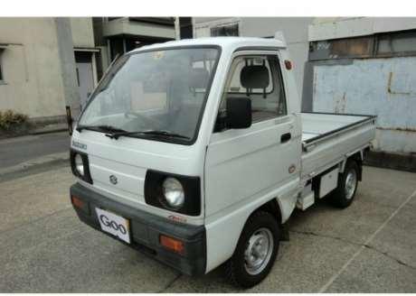 White JDM 1989 Suzuki Carry 4WD
