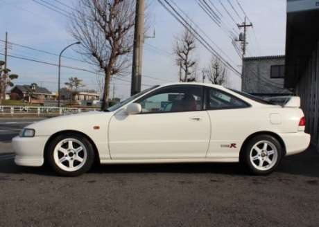 White JDM 1995 Honda Integra Type R with DOHC VTEC 1.8-liter engine