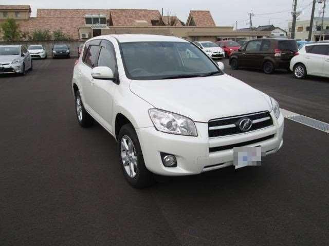 The Toyota RAV 4 for East Africa: SUV for Kenyan Tanzanian Ugandan business man