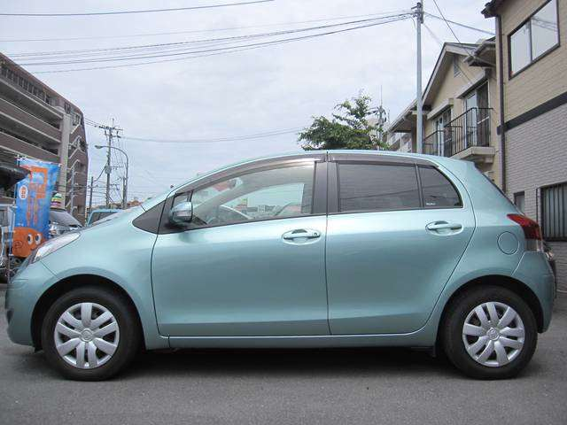 Vitz for JCD Pic 7 little blue Vitz great car to buy online from Japanese car used auctions