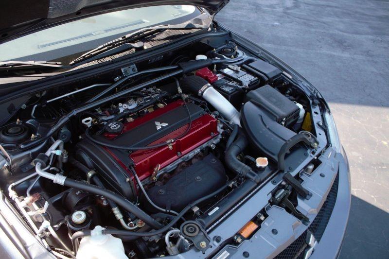 Mitsubishi Lancer Evo IX : 2006 Mitsubishi Evo IX MR Engine