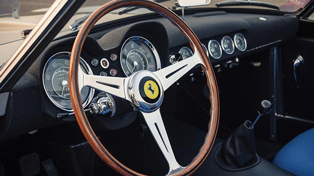 1959 Ferrari California Spyder LWB : Classic cockpit of 1959 Ferrari 250 GT LWB California Spyder Competizione