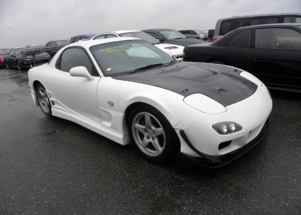 Self-healing electric Lamborghini supercar: A 1997 Mazda RX7 exported by Japan Car Direct