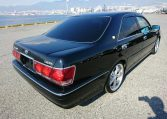 Toyota Crown Athlete exterior view 01