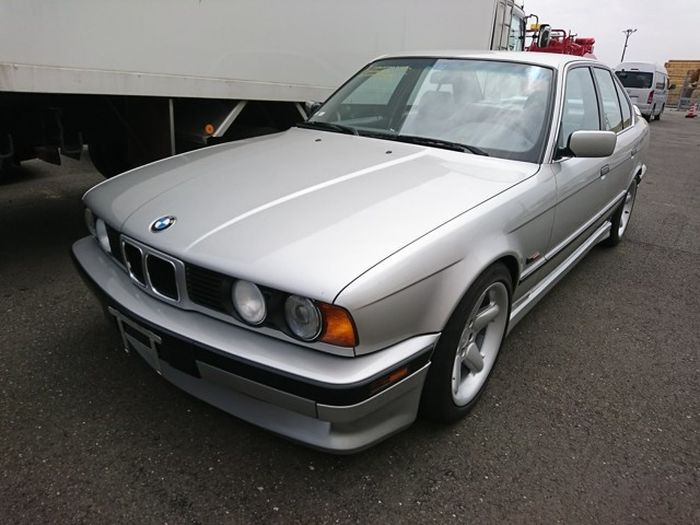 525i 5 Series luxury JDM german cars dealer auctions low prices LHD