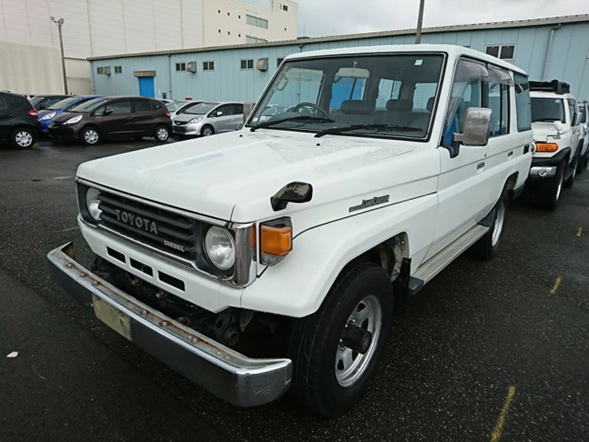 4 door wagon, inline 5 cylinder diesel, 5 speed manual transmission, well maintained, right hand drive, Japanese import.