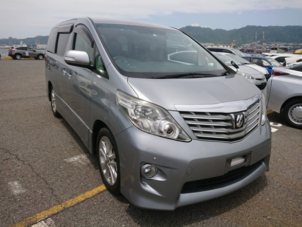 People mover luxury 8 passenger JDM van Toyota