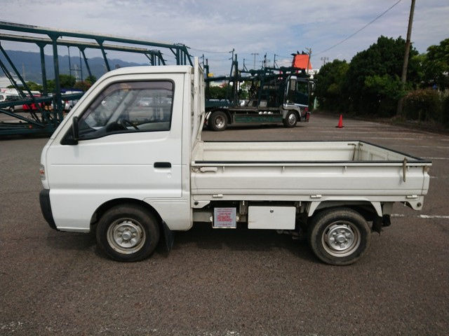 Japanese mini kei trucks keitrucks #1 quality reliability tough 4WD 5 speed A/C