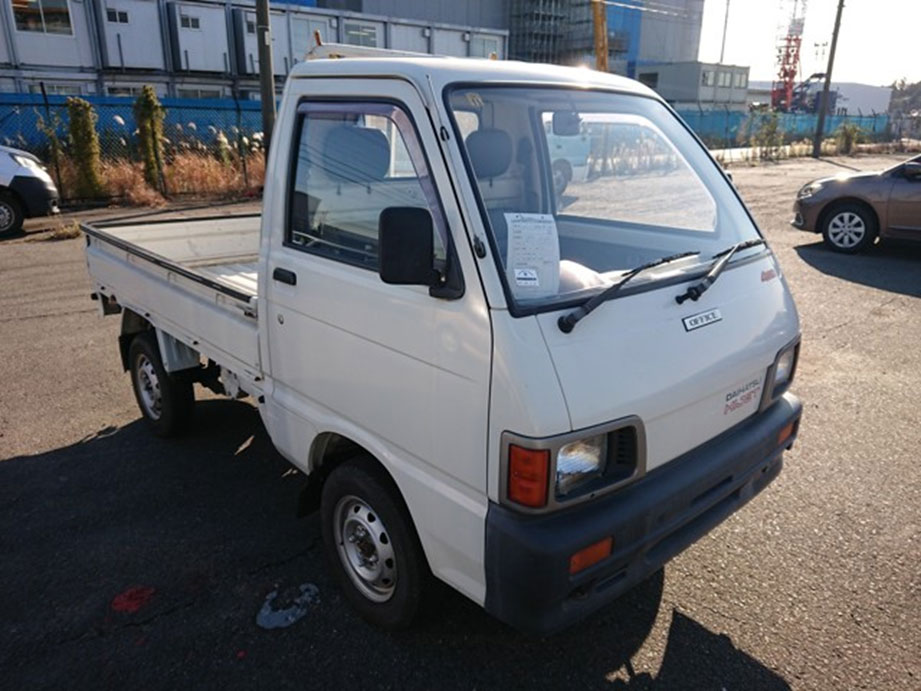 Kei truck mini excellent gas mileage JDM work horse 4WD AC Dif lock heater power steering