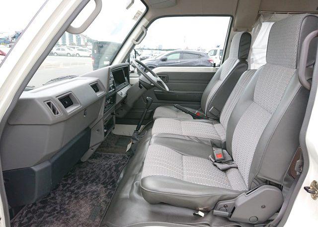 1994 Nissan Homy front seats left