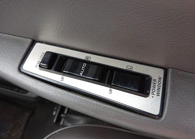 1994 Nissan Homy power windows