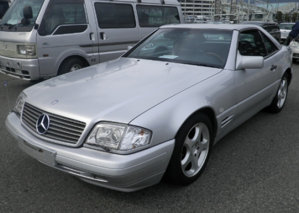 Mercedes Benz SL500,silver metallic finish,aluminum wheels,great condition,Japanese used car auction