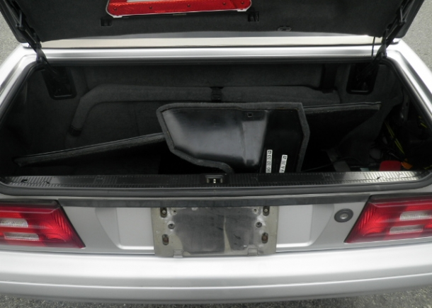 1996 Mercedes Benz SL500,trunk compartment,trunk through,trunk door,storage space