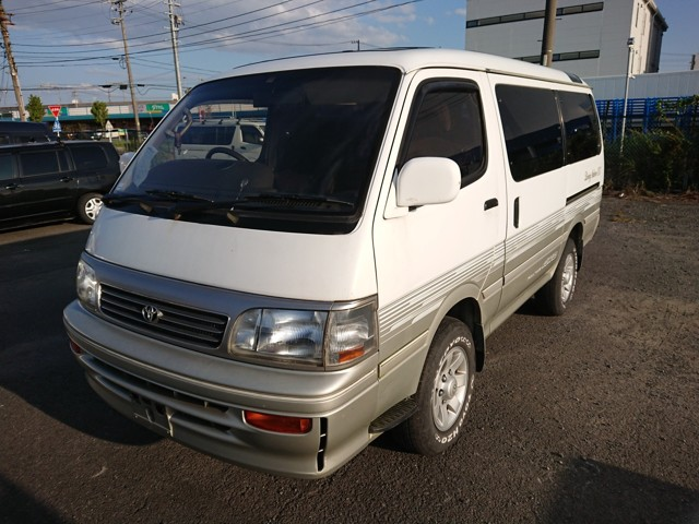 Japanese Diesel Van 3 row seats double sun roof 25 years old USA import directly auctions
