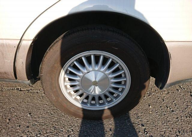 Three Liter Crown Majesta JZS-140 Series wheel arches clean