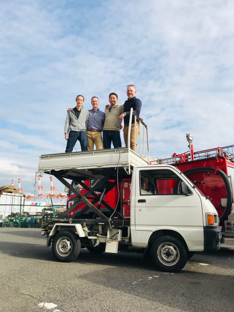 Kei Truck useful for all work Golf Course, Farm, Landscaping Road Maintenance. Scissors Lift for golf course tree cutting. Import direct from Japan