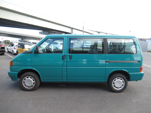 Clean good condition cheap economical van 7 seater buy a jdm car import direct Japanese auctions European in Japan