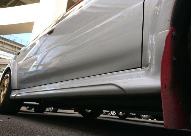 Used Lancer Evo to New Zealand via Japan Car Direct. Clean right front sill