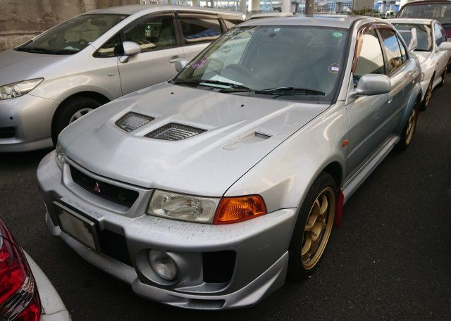 Japanese Muscle Car front left. Self import from Japan via JCD.