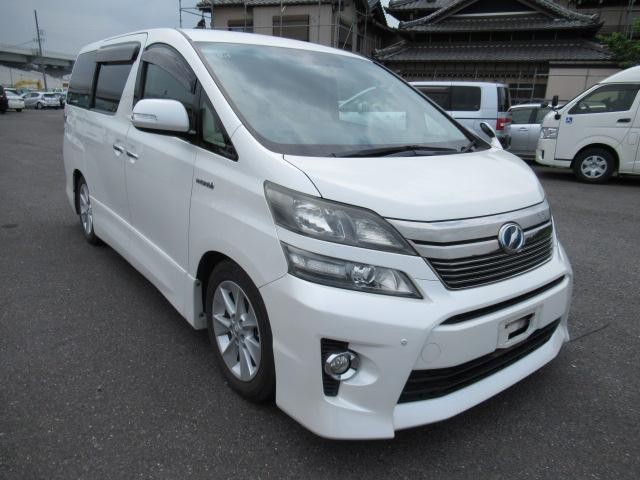 Large luxury people carrier soccer mom van, reliable, multi seater perfect for camping and vacations. DVD player for the kids import direct from Japan