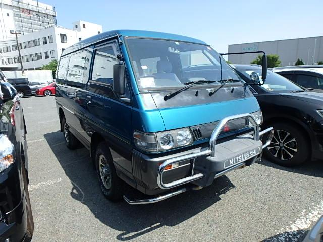 cabover van and pickup truck hybrid Delivery car This pickup truck, and a commercial van in export markets rebadged Mazda Bongo Brawny. Use as school run, soccer mom, dependable large capacity family van