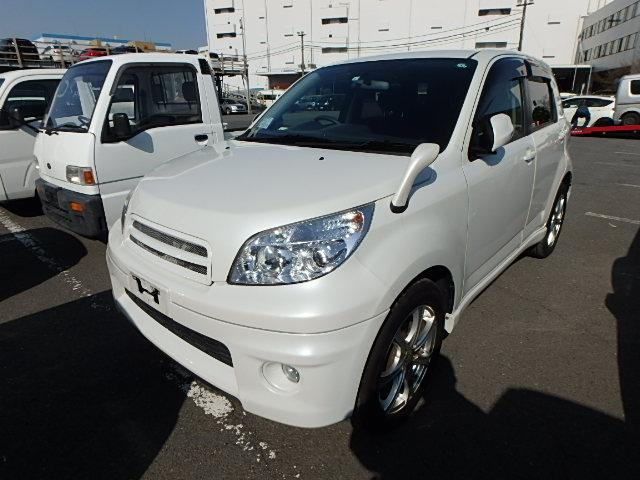 Versatile Suv perfect for small family camping trip to beach go anywhere great paint reliable cheap Japan only well looked after